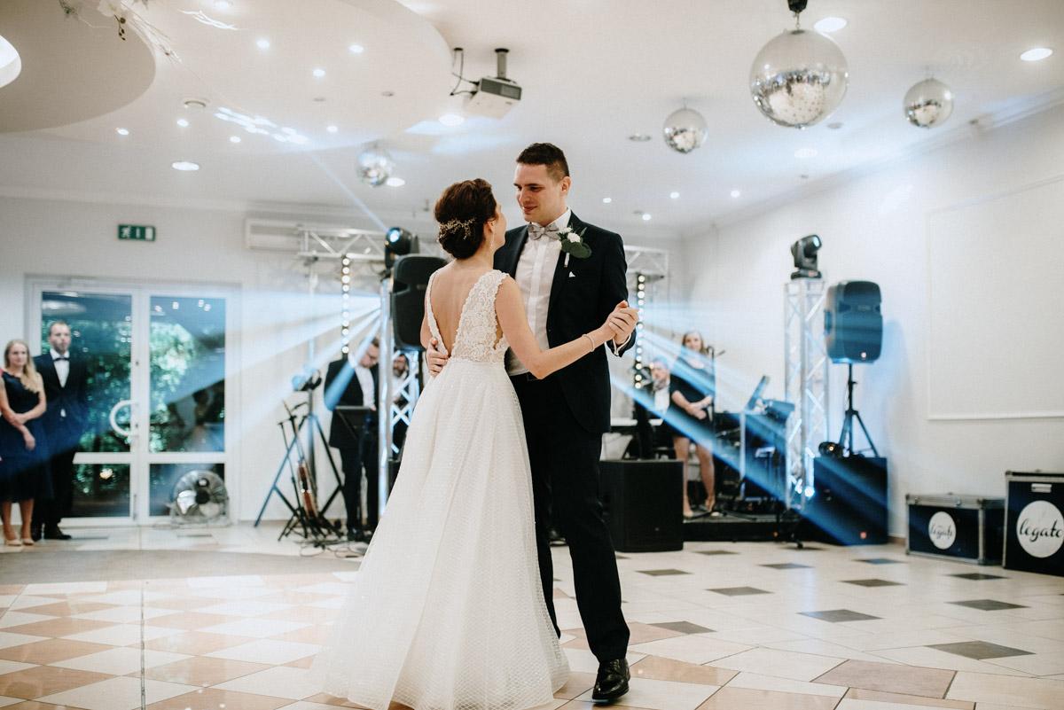 zdjęcia pierwszy taniec